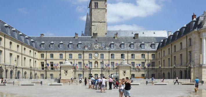Place de la libération à Dijon